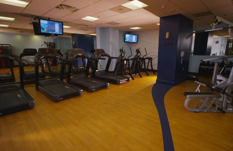 Fitness center at Wyndham Lake Buena Vista Resort.
