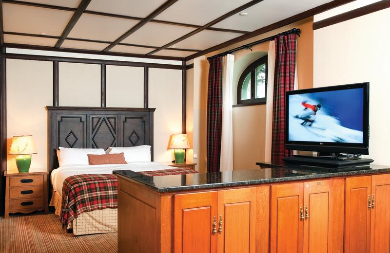 Guest room at Fairmont Le Chateau Montebello.