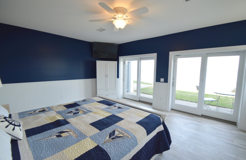 Guest room at Waters Edge B