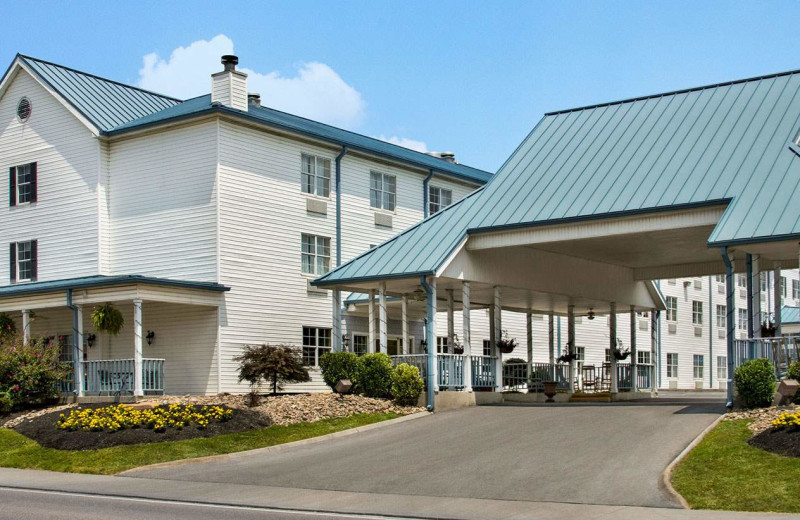 Exterior view of Ramada Pigeon Forge North.