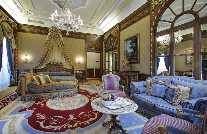 Guest room at Grand Hotel des Iles Borromees.