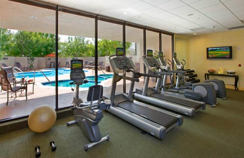 Fitness center at Courtyard Los Angeles Pasadena/Monrovia.