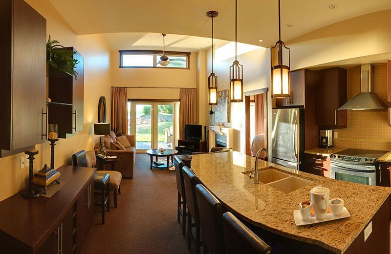 Suite kitchen at Sunrise Ridge Resort.