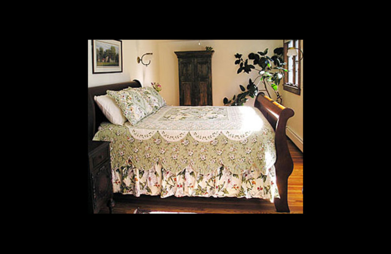 Guest room at Frog Hollow Bed & Breakfast.