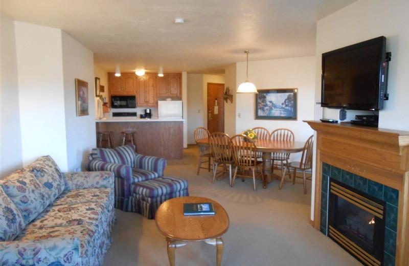 Fireplace living room at Pheasant Park Resort.