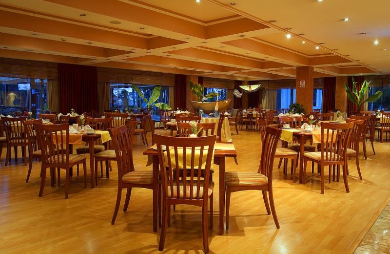 Dining at Hotel Oro Verde Cuenca.