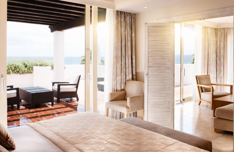 Guest room at Hotel Puente Romano.