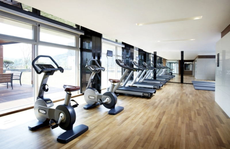Fitness room at Hotel Lotte Taedok.