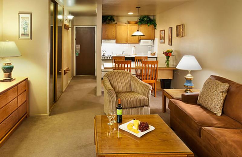 Suite interior at Aston Lakeland Village.