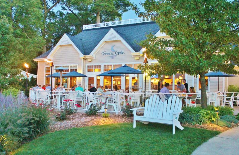 Dining at Bay Pointe Inn Lakefront Resort.