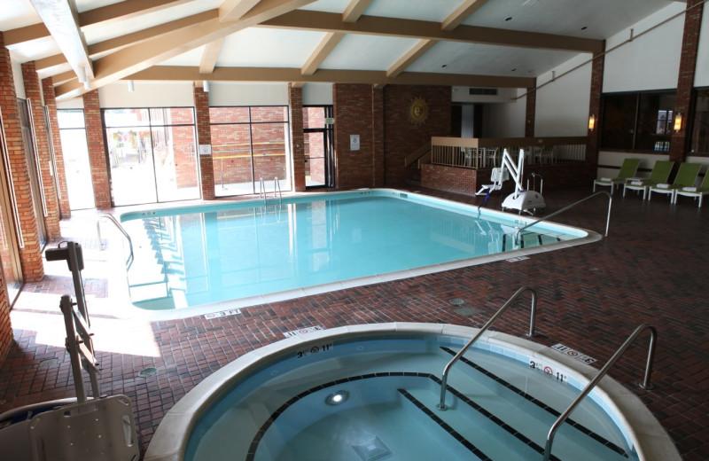 Indoor pool at Lincolnshire Marriott Resort.