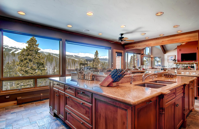 This luxury private home has 6 bedrooms and ski-in/ski-out access.