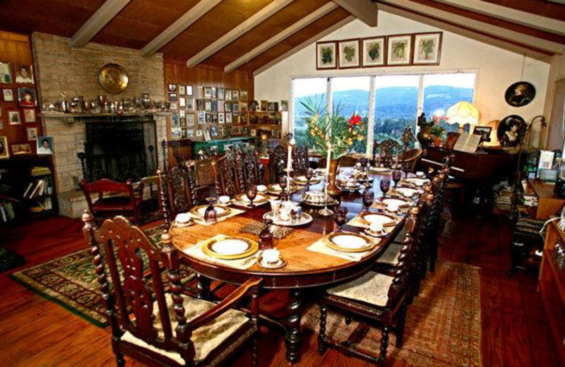 Dining room at Hillcrest Bed & Breakfast.