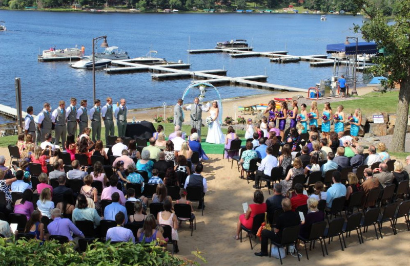 Wedding ceremony at Big Sandy Lodge & Resort.