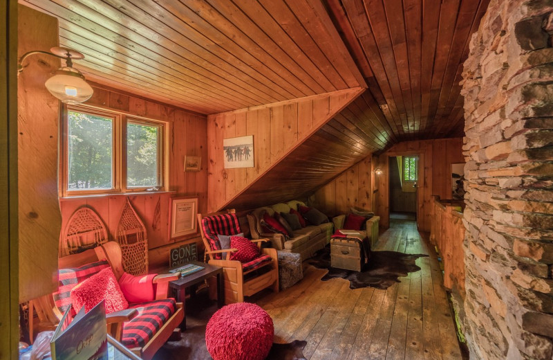 Cabin living room at Algonquin Log Cabin.