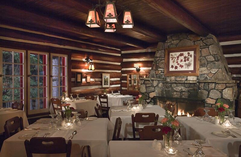 Algonquin Park Lodge dining at Killarney Lodge.
