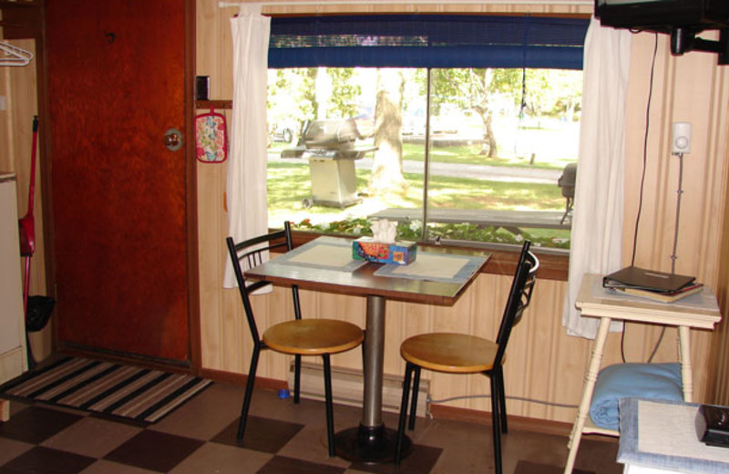 Cabin table at Sunnylea.