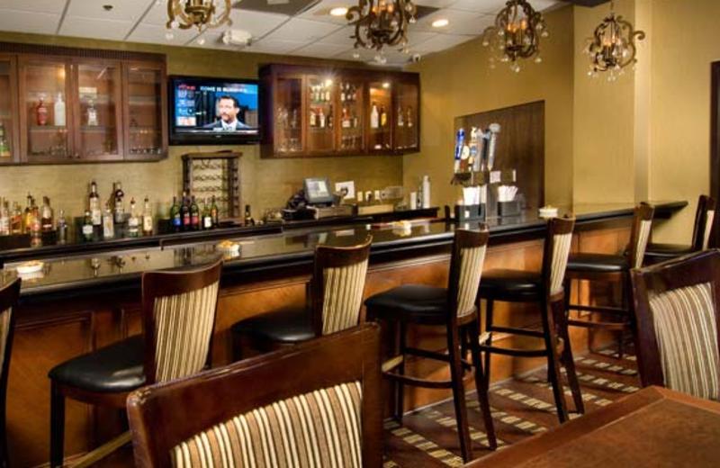 Bar & Restaurant at Holiday Inn Leesburg