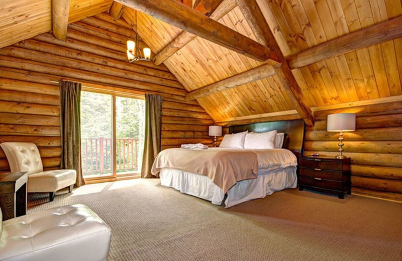 Guest room at Blueberry Lake Resort.