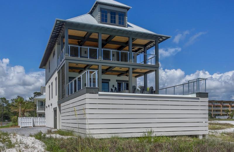 Rental exterior view of No Worries Vacation Rentals.