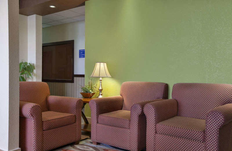 Lobby at Days Inn & Suites - Benton Harbor.