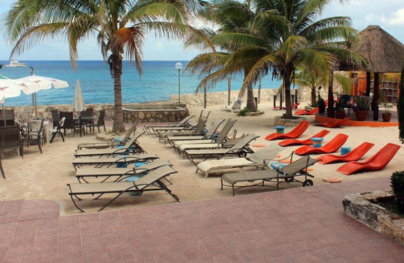 Beach at Hotel Barracuda.
