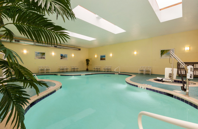 Indoor pool at Holiday Inn Oceanfront Ocean City.