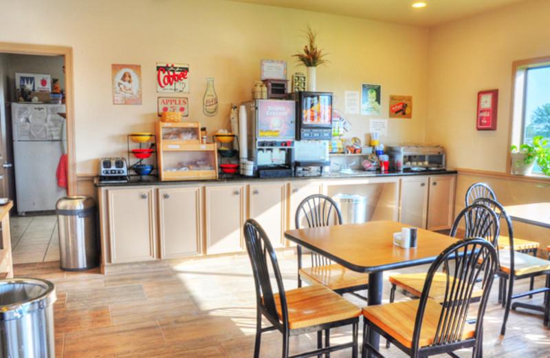 Breakfast Nook at the Lonestar Inn & Suites