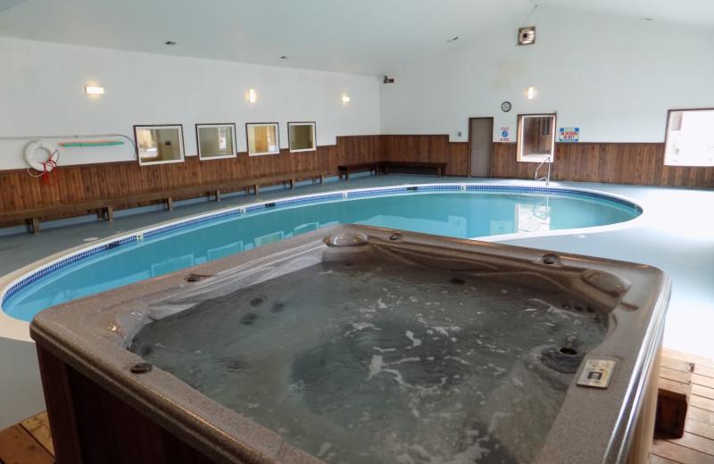 Hot tub at Chautauqua Lodge.