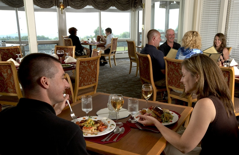 Dining at Steele Hill Resort.