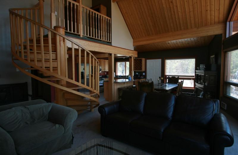 Vacation rental living room at Bear Creek Lodge.