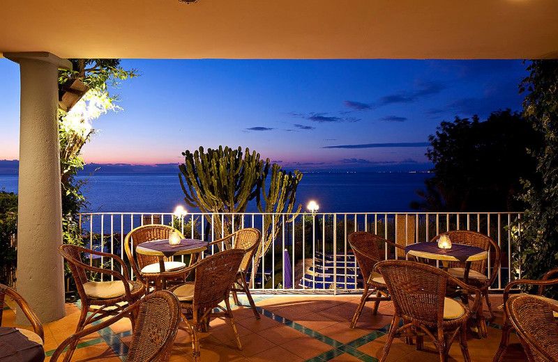 Dining patio at Hotel Continental Mare.