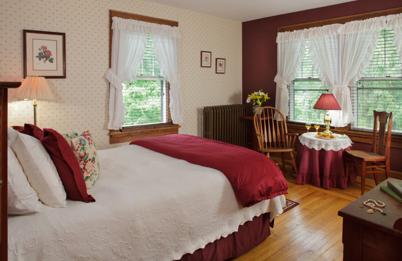 Guest room at The White Oak Inn.