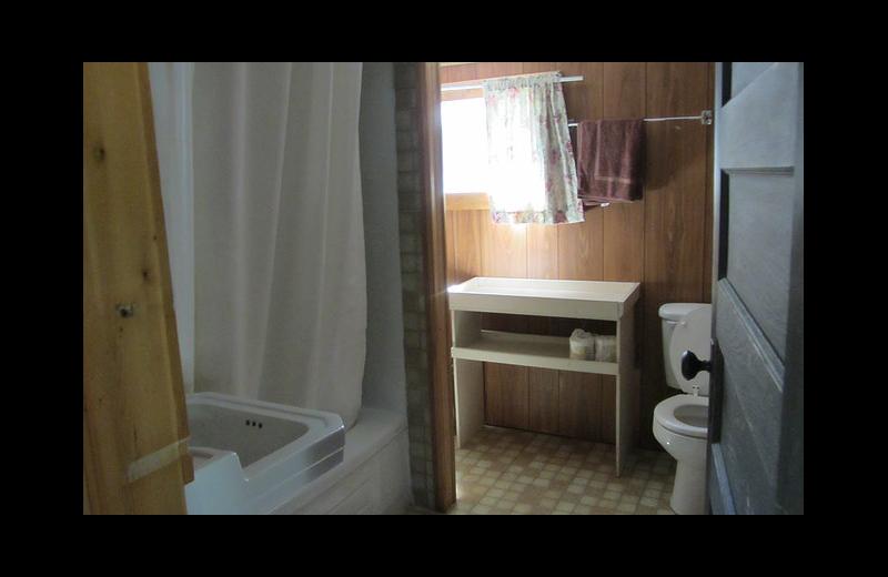 Cabin bathroom at Black Rock Resort.