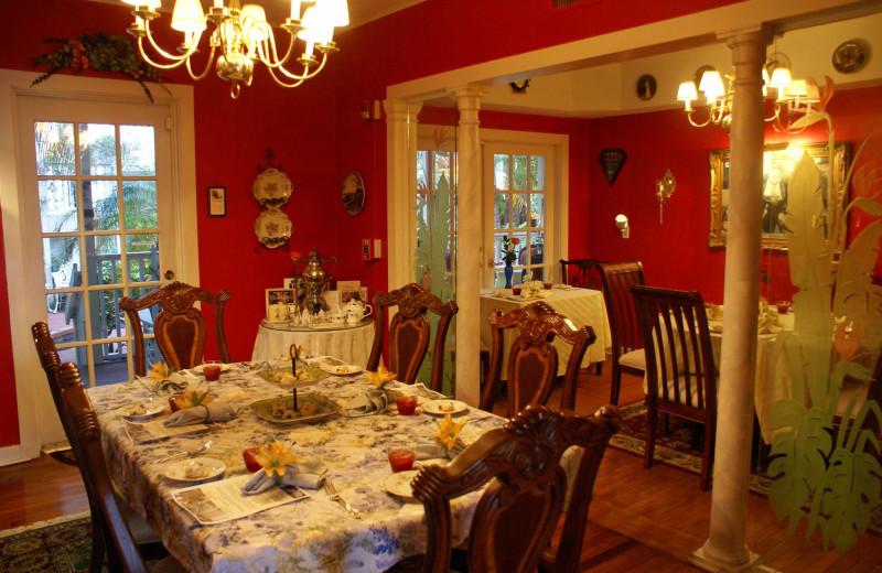 Dining room at Sabal Palm House B & B.