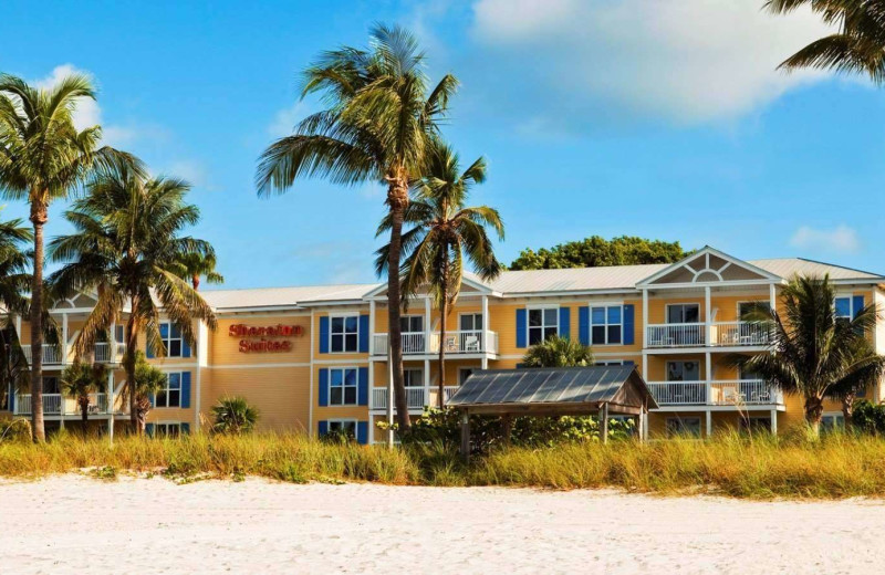 Exterior view of Sheraton Suites Key West.