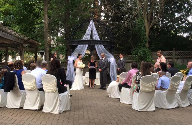 Weddings at Idlewyld Inn.