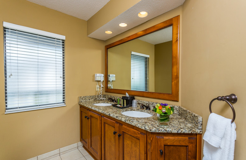 Guest bathroom at Sea Palms Resort.