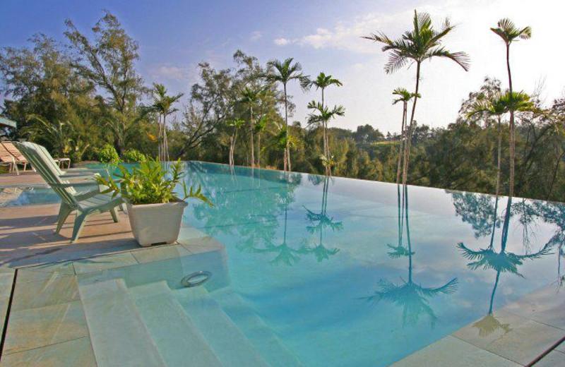 Infinity pool at Hawaii Island Retreat.