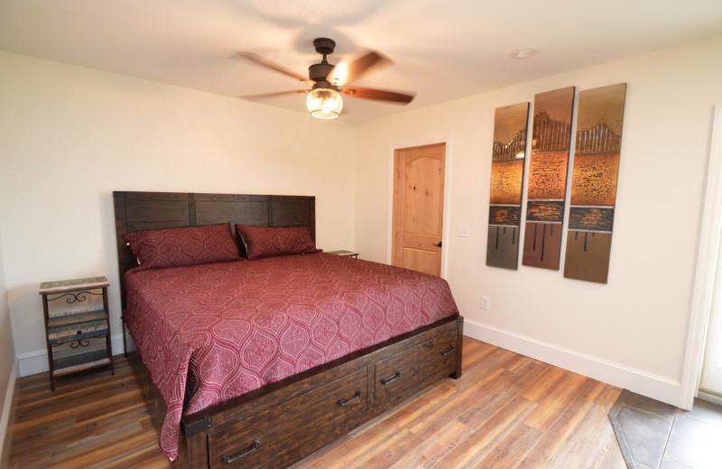 Guest bedroom at Waters Edge B&B Resort.