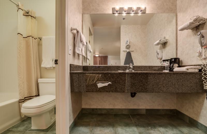 Guest bathroom at St. George Inn.