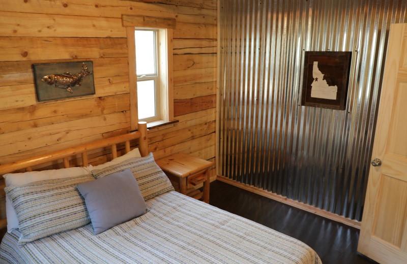 Cabin bedroom at China Bar Lodge.