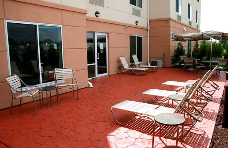 Outdoor patio at Fairfield Inn & Suites by Marriott Toledo North.