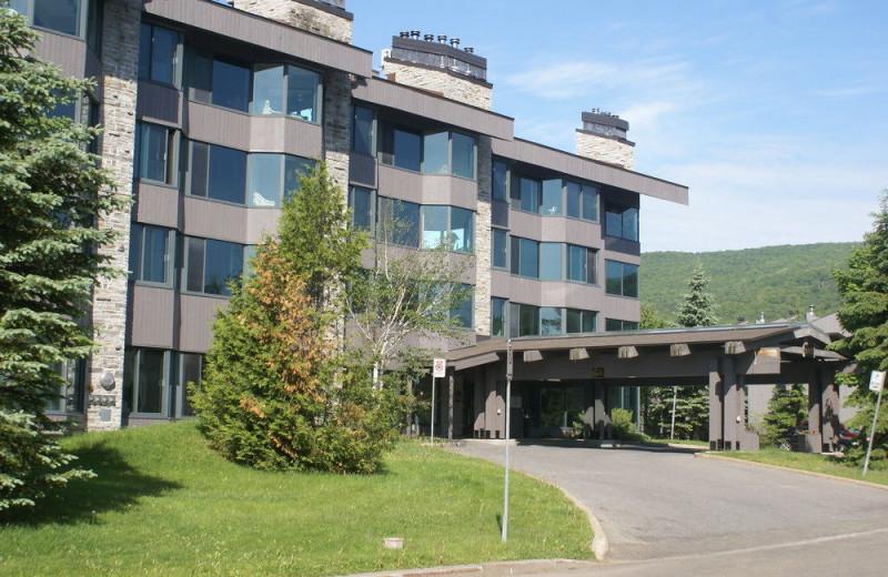 Exterior view of Au Domaine des Neiges.