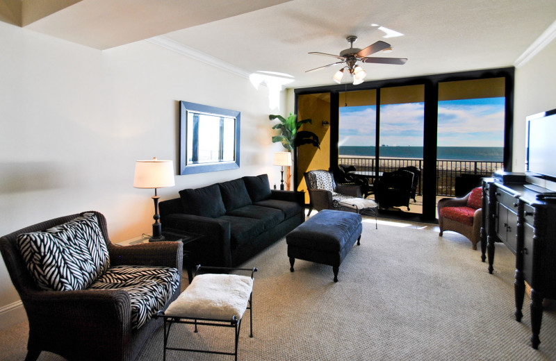 Rental living room at Dauphin Island Beach Rentals, LLC.
