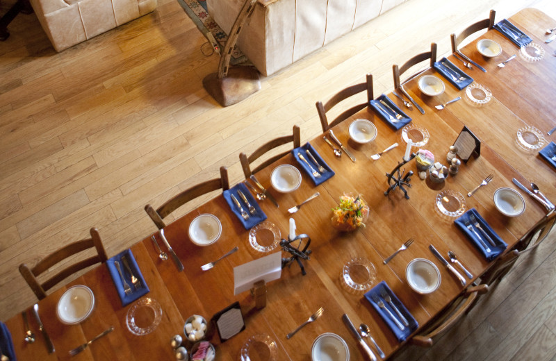 Lodge dining table at Cataloochee Ranch.