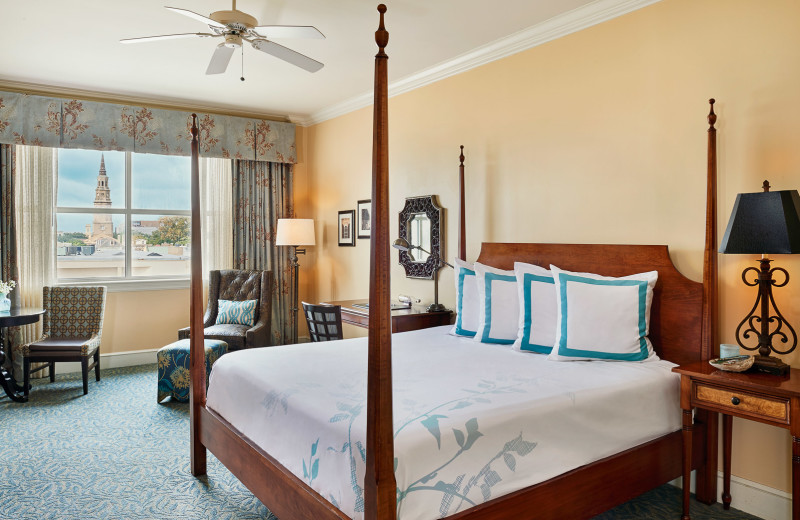 Guest room at HarbourView Inn.