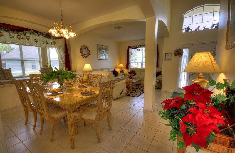 Vacation rental dining room at Elite Vacation Homes.
