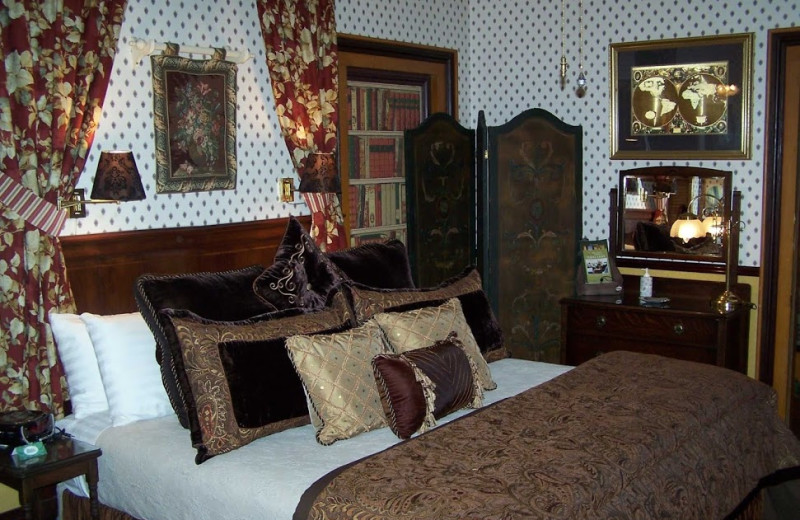 Guest room at Dunbar House.