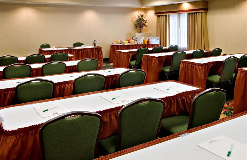 Meeting space at Holiday Inn Minneapolis.